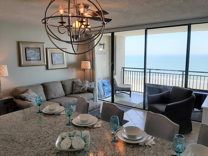 Oceanfront-Sparkling Kitchen-Clean-Fresh-Home