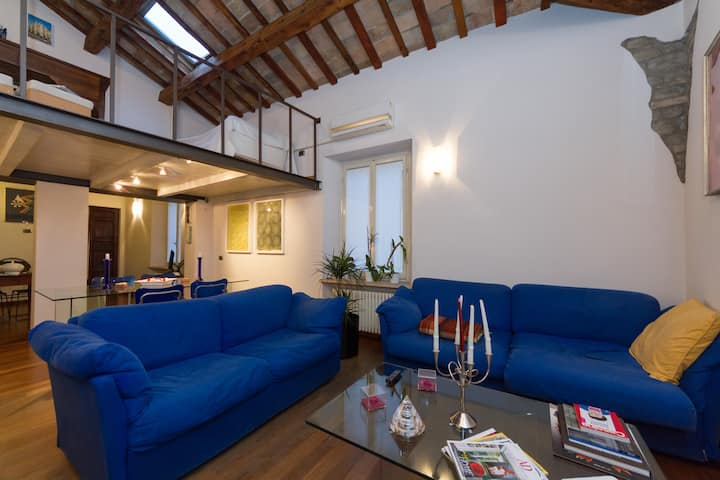 ROMANTIC HOLIDAY HOUSE IN PESARO