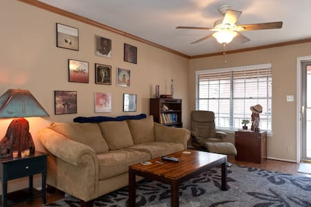 Clean, Quiet & Centrally Located