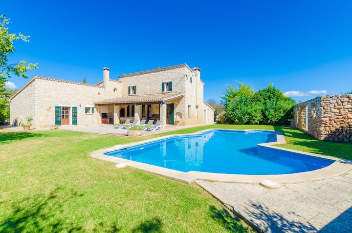 CAN SALAT - Villa with private pool in Lloseta. Free WiFi