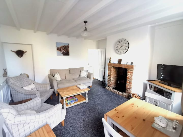 Cross Row Cottage: Home from Home