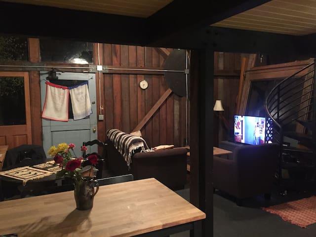 Cozy Cabin for Super Bowl Weekend - San José - Cabaña