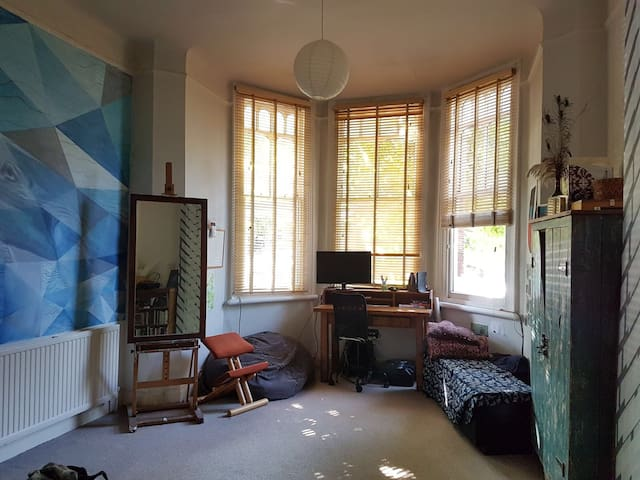 Sunny double in creative home,  close to station