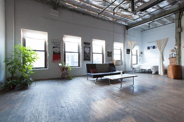 Authentic NY Charming Artist Loft - Brooklyn - Loft