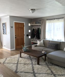 Cozy 2BD w/ Fenced Yard - Arvada