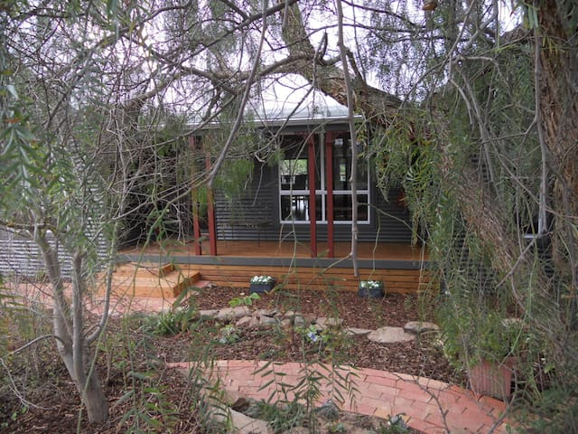 Elegant cottage in central location - McLaren Vale - Bed & Breakfast