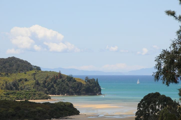 Cottage on Abel Tasman Park & Bay