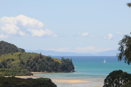 Cottage on Abel Tasman Park & Bay