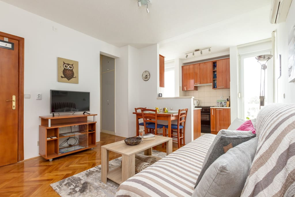 Living room/dining room /kitchen
