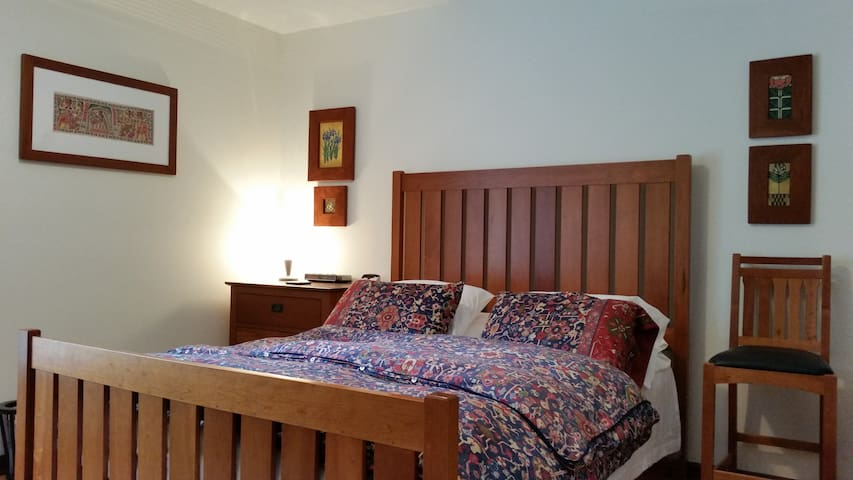 Luxurious Cozy Bed Room in Raleigh - Raleigh - House