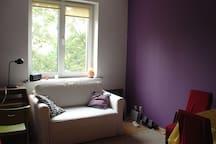 Large bedroom or living room, większy pokój