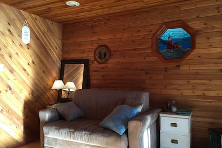 Your own PrivateCedar Ski Chalet - Rossland - Byt