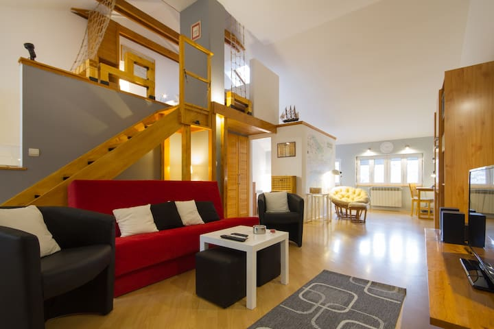 Exceptional Loft/Center/ (Phone number hidden by Airbnb) BD/4 guests