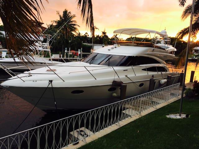 75 Foot Yacht - Ultra Luxury Motor Yacht 'Cloud 9' - Delray Beach - Bateau