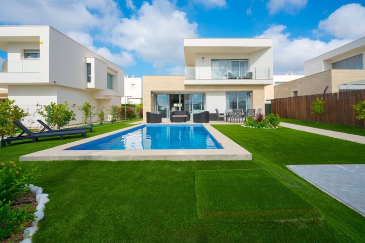 Villa de standing Malibu (BB) avec piscine privée