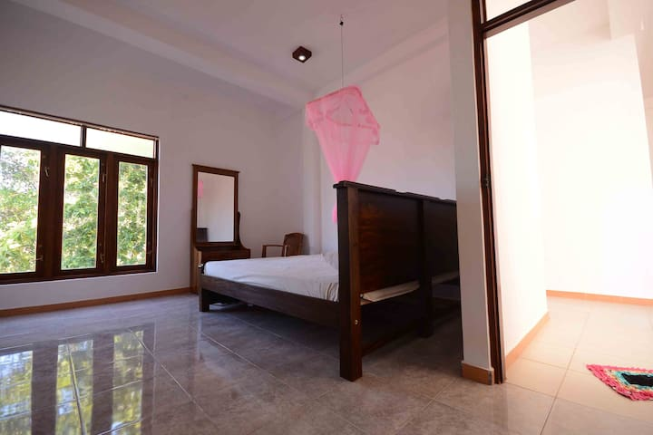 SAGA HOME R.4 Huge room with sea veiw - Ambalangoda - Apartamento