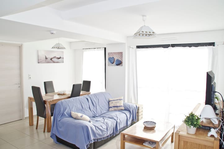 Flat with 2 rooms on the Mancinu'Beach