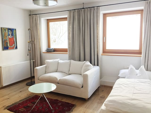 Large apartment with direct access to our garden - Telfes im Stubai - Servicelägenhet