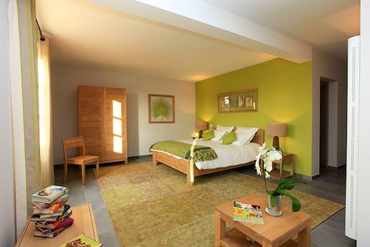 Chambres d'hôtes La Laùpio - La Laupie - Bed & Breakfast