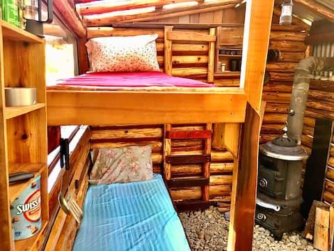 Cliffedge Cabin