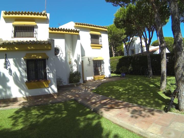 Chalet con piscina,Urbanización Roche, Conil,Cádiz