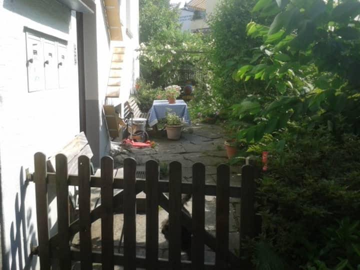 Helle Wohnung in Haus mit Garten