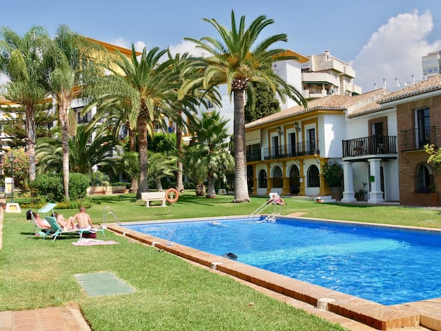 Large family villa in Fuengirola with pool