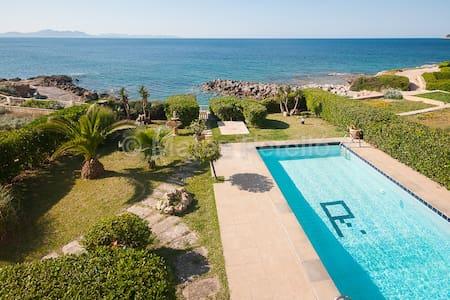 Charming villa at the seaside  - Betlem