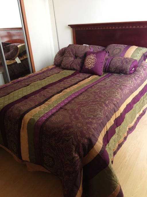 Queen size bed - 2nd room