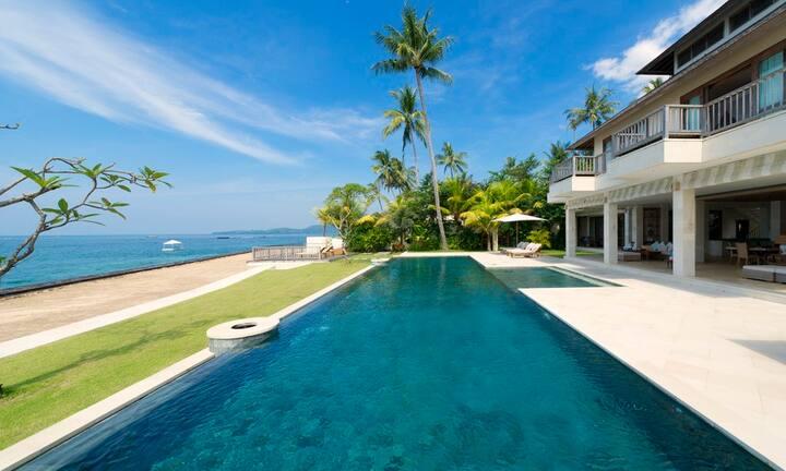 Luxury 6 Bedroom Villa1 Waterfront, Candidasa;