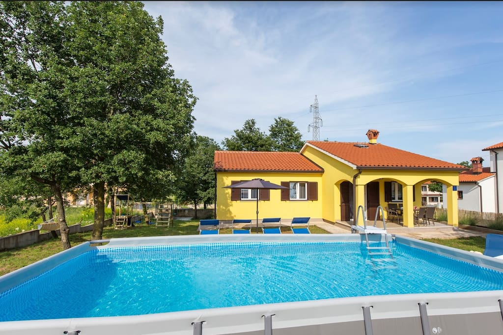 Beautiful holiday house with pool and playground