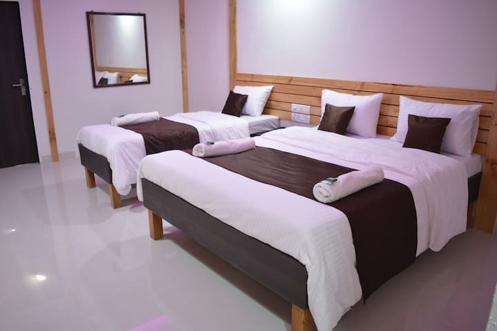 Super Deluxe Triple Room With Terrace & A.C.