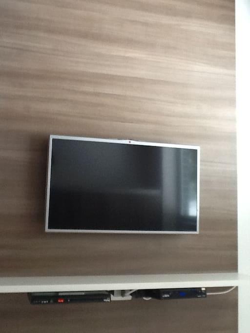 TV DE LED COM TV A CABO NET