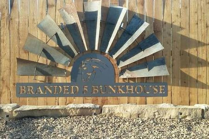 Hunters Retreat & Kennel @ Branded 5 Stable
