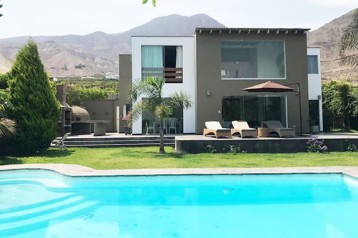 Casa de campo con piscina la Raya Cieneguilla