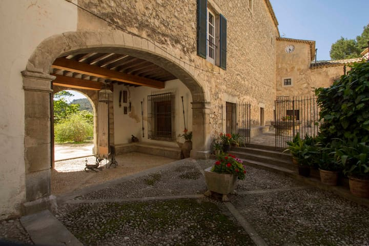 Ca Sa Madona Sollerich (Foreman's wife house)
