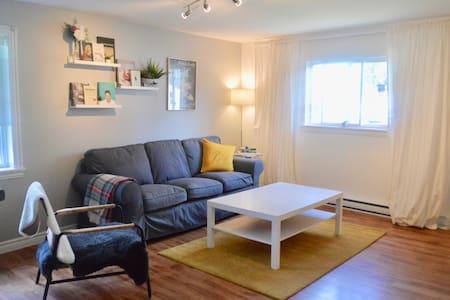 Downtown Dartmouth, Spacious Apartment for two