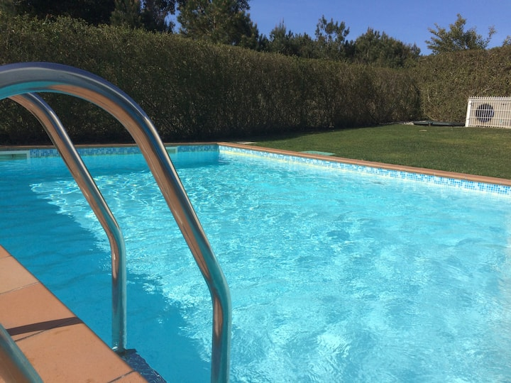 Obidos Lagoon: 3 bed villa, garden, heated pool