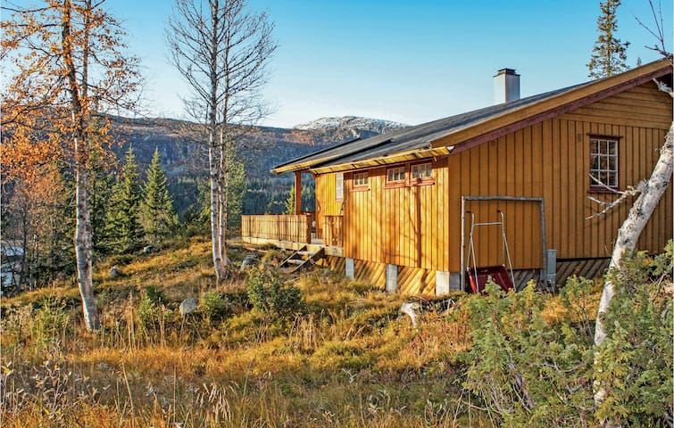 Holiday cottage with 3 bedrooms on 60m² in Eggedal