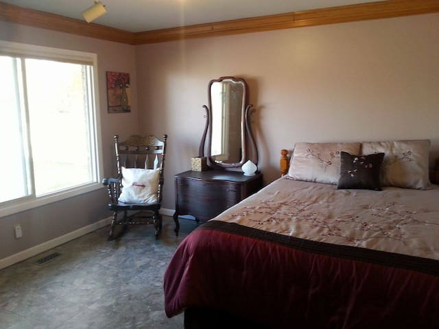Tranquility - 1 Bed & 1 Bath near I-94 - Jackson