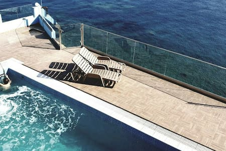 Luxurious Villa Paradise PRIVATE BEACH & pool