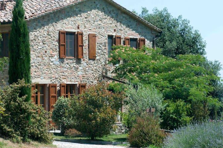 Agriturismo Le Valli_intero casale - Casciana Terme - Lari (PISA) - Villa