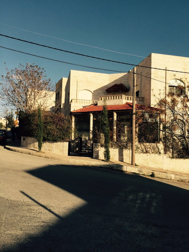 Furnished Villa for rent in Amman