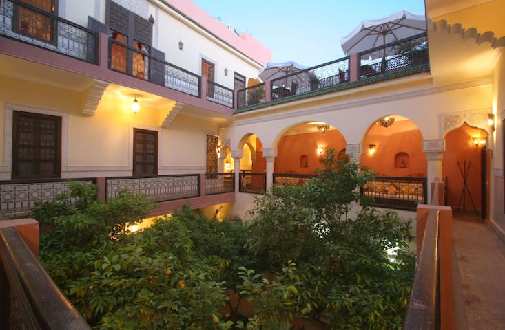 Private Bedroom in Medina B&B/Wifi. - Marrakesh - Bed & Breakfast