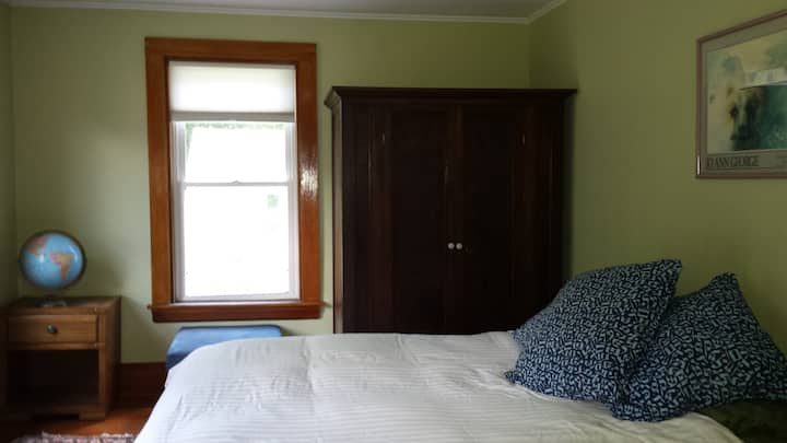 Cozy Private Room, Orono