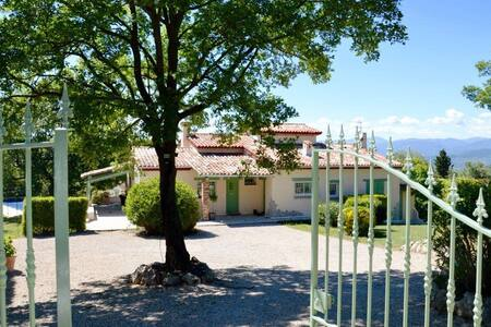 Beautiful Provençal summer villa - Tanneron - House