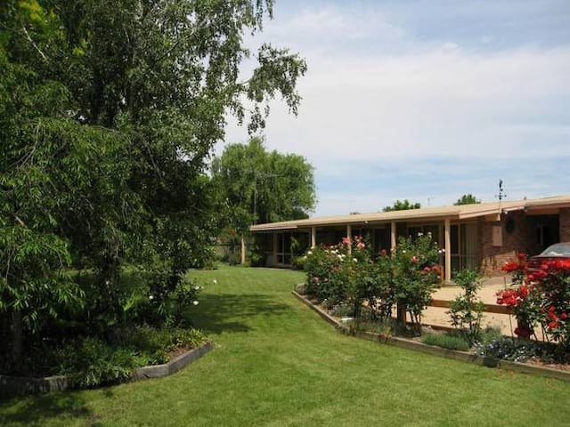 Creekside Accommodation - Mansfield - Lakás