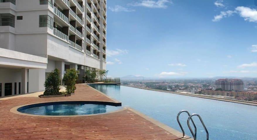 Opening/infinity pool/Luxury condo/Jonker/Melaka