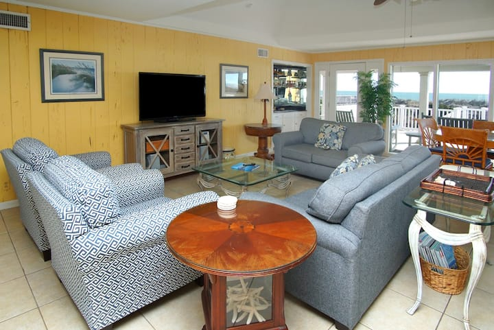 THE MOONFISH... a popular North Myrtle Beach oceanfront vacation home.