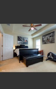 Gated Community/Spacious Townhome - Atlanta